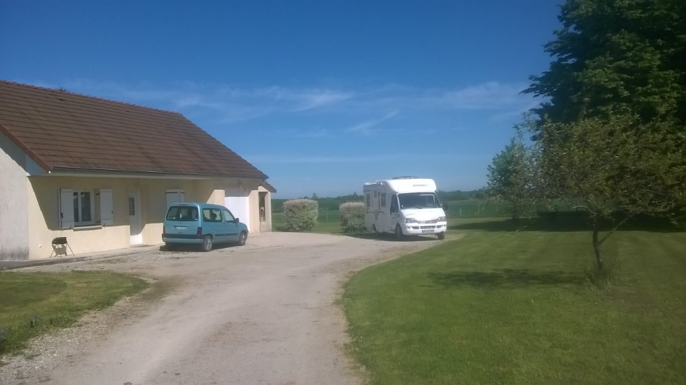 Aire camping-car à Cosges (39140) - Photo 1